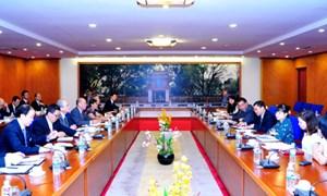 Thứ trưởng Bộ Tài chính Trương Chí Trung làm việc với Phái đoàn ngoại giao nhân dân Nhật Bản