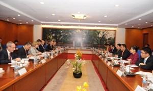 Thứ trưởng Bộ Tài chính Trần Xuân Hà tiếp Thị trưởng Trung tâm tài chính Luân-Đôn