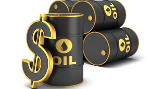Thế giới  đang thừa dầu?