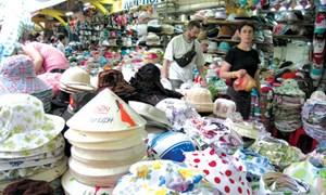 Khoác áo mới cho chợ Việt