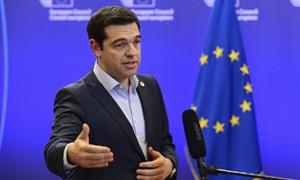 Hy Lạp bất ngờ nhượng bộ trước thềm hội nghị khẩn Eurozone
