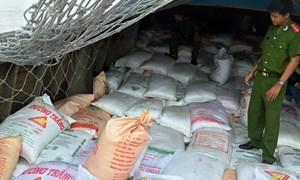Long An: Bắt giữ gần 860 tấn đường cát nhập lậu