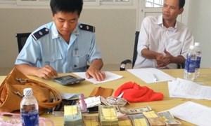 An Giang: Bắt vụ vận chuyển lậu tiền sang Campuchia đánh bạc