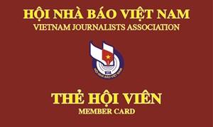 Lễ công bố và trao thẻ hội viên cho các nhà báo lão thành