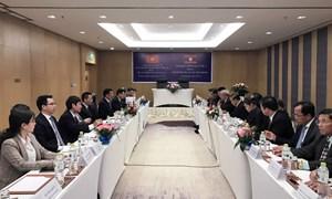 Tiếp tục hợp tác chặt chẽ và toàn diện giữa Bộ Tài chính Việt Nam - Lào