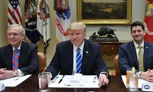 Đồng USD mất giá khi Tổng thống Trump chuẩn bị ký dự thảo luật thuế mới