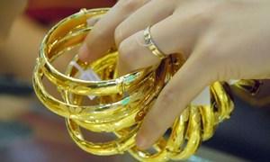 Giá vàng trong nước tiếp đà lao dốc