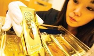 Vàng trong nước ào ạt giảm giá