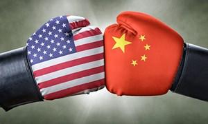 """Mỹ - Trung chơi trò """"cân não"""" trong thương mại"""