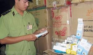Hà Nội: Gần 8000 chai sữa tắm, dầu gội giả bị thu giữ