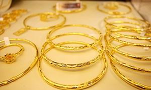 Vàng trong nước chưa kịp khởi sắc lại tiếp tục giảm giá