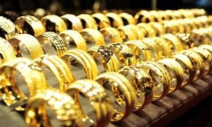 Giá vàng trong nước rung lắc nhẹ