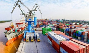 Xuất nhập khẩu hàng hóa 6 tháng đạt 245,48 tỷ USD