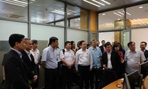 Đoàn đại biểu Quốc hội thăm và làm việc tại Sở Giao dịch Chứng khoán Hà Nội