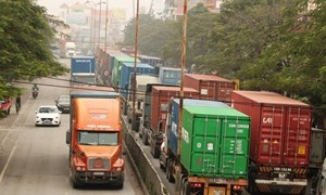 Khẩn cấp thông đường cho hàng hóa, nguyên liệu sản xuất
