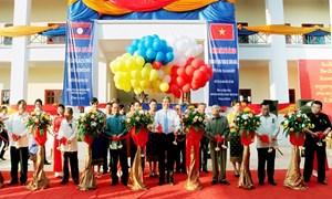 Tổ chức Lễ khánh thành và bàn giao Công trình trường Trung học Đông Savẳn cho nhân dân Lào