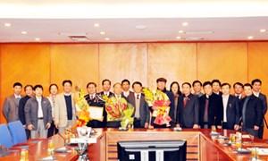 Bộ Tài chính: Trao tặng Kỷ niệm chương cho các đồng chí thuộc Bộ Nội vụ và Ban Tổ chức Trung ương