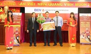 BIDV trao giải đặc biệt Chương trình khuyến mại Thẻ tín dụng quốc tế BIDV Manchester United