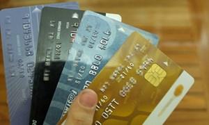 Thẻ tín dụng mất tiền triệu vì giao dịch