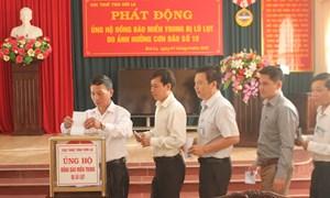Văn phòng Cục Thuế tỉnh Sơn La ủng hộ đồng bào lũ lụt miền Trung 30 triệu đồng