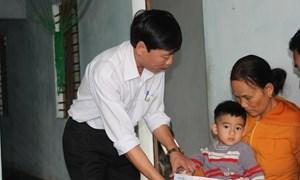 Bảo Việt Nhân thọ thực hiện cam kết bảo hiểm cho con thơ của nhà báo Hồng Sen