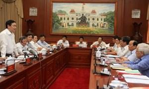 Xây dựng TP. Hồ Chí Minh từng bước trở thành trung tâm lớn về kinh tế, tài chính và thương mại