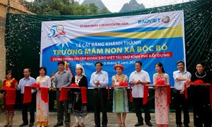 Bảo Việt đầu tư gần 44 tỷ đồng cho người dân huyện nghèo Pác Nặm