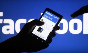 Kiếm cả trăm triệu đồng bằng Facebook giả