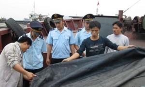 Phát hiện tàu vận chuyển trái phép 720 tấn than cám