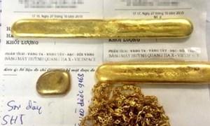 Đem vàng giả lừa bán cho tiệm vàng
