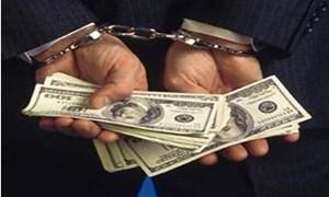 Chiếm đoạt chục tỉ đồng từ lừa xin việc