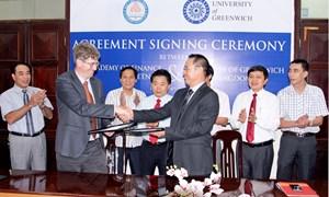 Liên kết đào tạo cấp 2 bằng Đại học chính quy đầu tiên tại Việt Nam