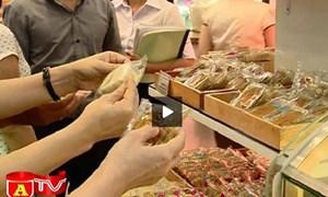 Video: Thu hồi bánh trung thu vi phạm quy định nhãn mác