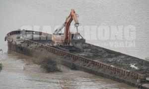 Điều tra, làm rõ chuyện xả thải xuống sông Hồng