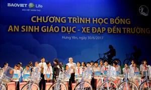Bảo Việt Nhân thọ phối hợp trao tặng xe đạp, học bổng cho trẻ em nghèo