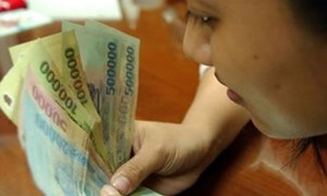 Phạt tới 50 triệu đồng nếu trả lương thấp hơn mức lương tối thiểu vùng