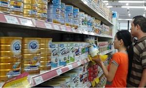 Sữa đồng loạt giảm giá sau khi bị áp giá trần
