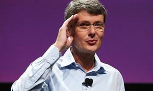 """BlackBerry bất ngờ """"trảm tướng"""", hủy kế hoạch tự bán mình"""