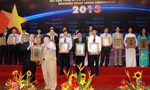 """Manulife Việt Nam nhận danh hiệu """"Doanh nghiệp phát triển bền vững"""""""