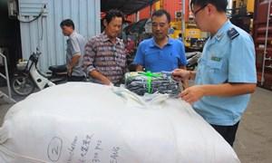 Cận cảnh lô hàng Trung Quốc giả nhãn hiệu cao cấp