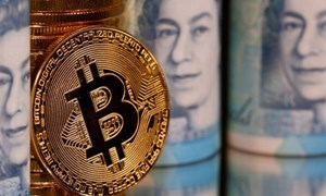Bitcoin lên giá kỷ lục, vượt mốc 34 nghìn USD
