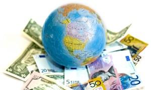 Kinh tế toàn cầu trong xu hướng ngược chiều của phương Tây và phương Đông