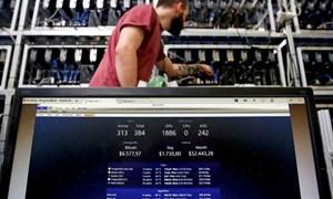 Bitcoin tăng điên cuồng, dân đào tiền ảo có còn mặn mà?
