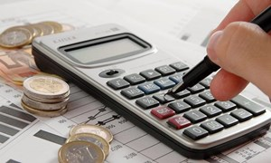 Các yếu tố tác động đến bền vững nợ công