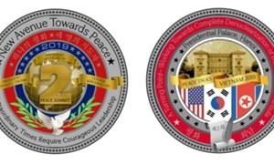Đồng xu kỷ niệm Hội nghị Thượng đỉnh Mỹ - Triều có hình Phủ Chủ tịch Việt Nam