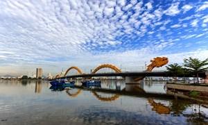 Cơn sốt đất Đà Nẵng: Người dân mạo hiểm, tiền rơi túi giới