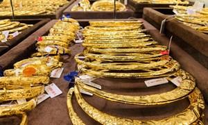 Giá vàng lên xuống thất thường, vậy ai đang điều khiển thị trường vàng?