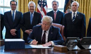 Tổng thống Donald Trump ký ban hành gói kích thích kinh tế lớn nhất trong lịch sử nước Mỹ