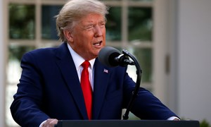 Trump: Nước Mỹ đã sẵn sàng khi Covid-19 chạm đỉnh trong 2 tuần tới
