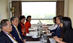 Bộ trưởng Tài chính Việt Nam tiếp xúc song phương với Bộ trưởng Tài chính Thái Lan